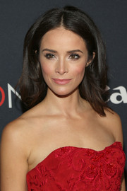 Abigail Spencer's high-volume center-parted 'do at the Project Imaginat10n Film Festival had a bit of a retro flare.