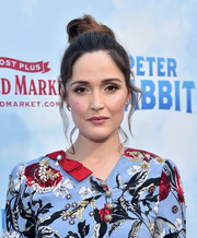 Rose Byrne styled her hair into a top knot for the premiere of 'Peter Rabbit.'