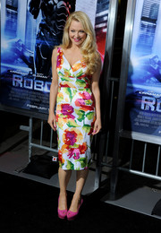 Charlotte Ross went all out with the colors, pairing her floral dress with pink platform peep-toes.