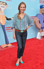 Melora Hardin stuck to a casual look with classic jeans and a print button-down when she attended the premiere of 'Cloudy with a Chance of Meatballs 2.'