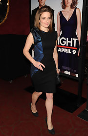 Tina Fey looked lovely in a black cocktail dress with a unique asymmetric side detail.