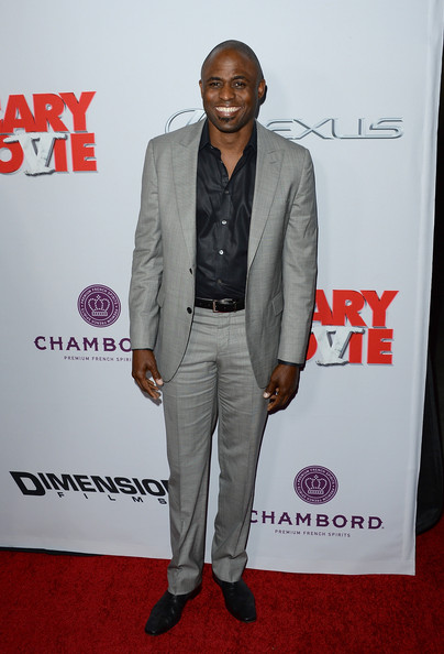 Wayne Brady chose this gray suit for a cool and contemporary red carpet look at the premiere of 'Scary Movie 5.'