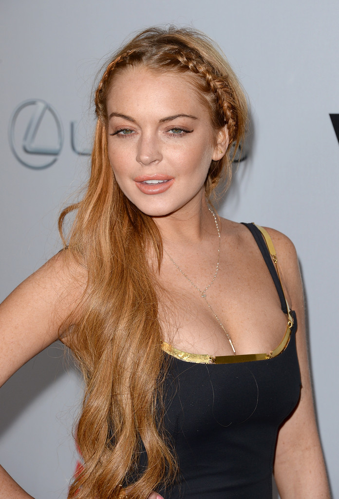 More Angles of Lindsay Lohan Nude Lipstick