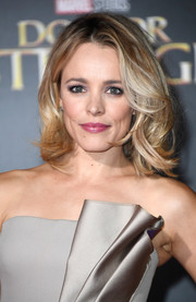 Rachel McAdams looked cute with her tousled lob at the premiere of 'Doctor Strange.'