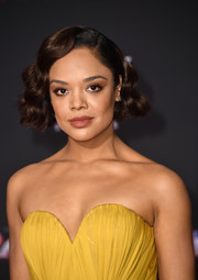 Tessa Thompson went vintage-glam with this curled-out bob at the premiere of 'Thor: Ragnarok.'