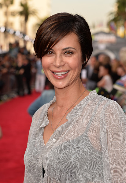 More Pics of Catherine Bell Side Parted Straight Cut (2 of 4) - Short Hairstyles Lookbook - StyleBistro
