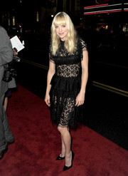 Anna Faris rocked the see-through trend in this Dolce & Gabbana lace LBD during the premiere of 'Delivery Man.'