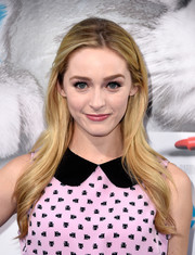 Greer Grammer looked oh-so-pretty with her flowing feathered waves at the premiere of 'Nine Lives.'