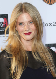 Winter Ave Zoli looked flawless with her center-parted feathered 'do at the 'Sons of Anarchy' season 6 premiere.