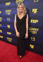 Kaitlin Olson slipped into a draped black gown for the premiere of 'It's Always Sunny in Philadelphia' season 13.