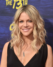 Kaitlin Olson looked fab with her high-volume waves at the premiere of 'It's Always Sunny in Philadelphia' season 13.