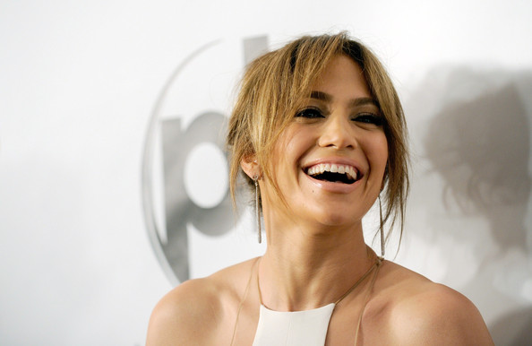 More Pics of Jennifer Lopez Messy Updo (1 of 17) - Jennifer Lopez Lookbook - StyleBistro