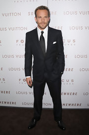Stephen Dorff showed off a sleek suit while attending the premiere of 'Somewhere'.