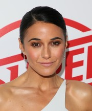 Emmanuelle Chriqui opted for a slicked-down bun when she attended the premiere of 'Super Troopers 2.'