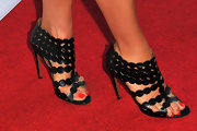 Kate Walsh's spherical strappy sandals added a cool graphic touch to the star's red carpet look.
