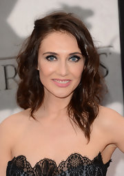 Carice Van Houten's long curls gave the star a sweet and soft look on the red carpet.