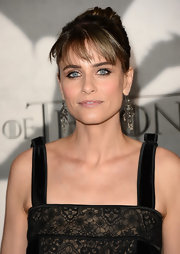 Amanda Peet opted for a basic nude lip, so as not to distract from her gorgeously lined eyes.