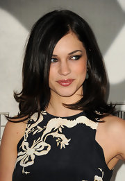Alexis Knapp's chocolate locks looked simply flawless with this textured layered cut.