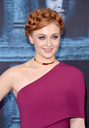 Sophie Turner looked charming with this thick crown braid at the 'Game of Thrones' season 6 premiere.
