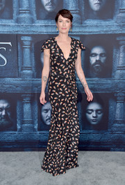 Lena Headey went the ladylike route in a feather-print gown by Carolina Herrera for the 'Game of Thrones' season 6 premiere.