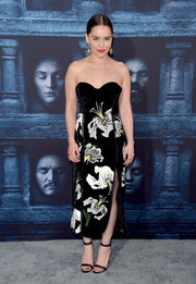 Emilia Clarke went for sultry elegance in a strapless floral frock by Erdem for the 'Game of Thrones' season 6 premiere.