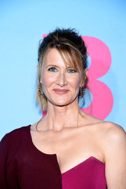 Laura Dern rocked a messy ponytail at the premiere of 'Big Little Lies.'