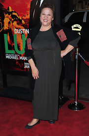 Amy Hill topped off her maxi dress with black flats.