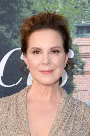 Elizabeth Perkins attended the premiere of 'Sharp Objects' rocking a messy pompadour.