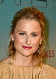 Mamie Gummer styled her hair into a loose half-up 'do for the premiere of 'True Detective' season 3.