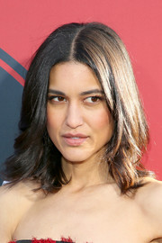 Julia Jones sported a center-parted lob with feathery ends at the premiere of 'Westworld' season 2.