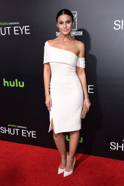 Emmanuelle Chriqui looked very fashion-forward in an asymmetrical off-the-shoulder LWD by Haney at the premiere of 'Shut Eye.'
