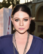 Michelle Trachtenberg styled her hair into a casual ponytail for the premiere of 'Sister Cities.'