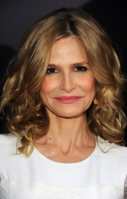 Kyra Sedgwick wore her hair in shoulder-sweeping curls for the premiere of 'The Possession.'