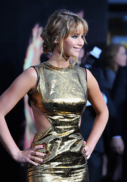 Jennifer Lawrence attended the premiere of 'The Hunger Games' wearing midnight blue nail polish.