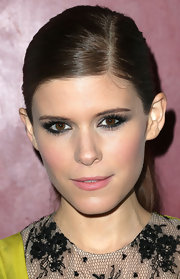 A ladylike lip color made Kate Mara's makeup look all the more demure.