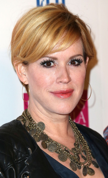 Molly Ringwald kept it casual and cool with this short side-parted 'do at the premiere of 'White Bird in a Blizzard.'