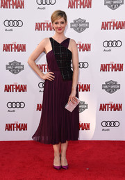 Judy Greer looked modern and chic at the 'Ant-Man' premiere in a mixed-material purple halter dress by Bibhu Mohapatra.