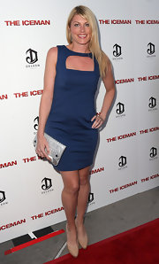 Meredith Ostrom looked chic and sultry at the 'Iceman' premiere in a blue cutout dress.