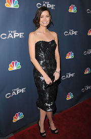 Summer Glau paired a shimmering brocade dress with versatile black peep toes.