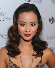 Jamie Chung looked retro fabulous in glossy red lipstick.