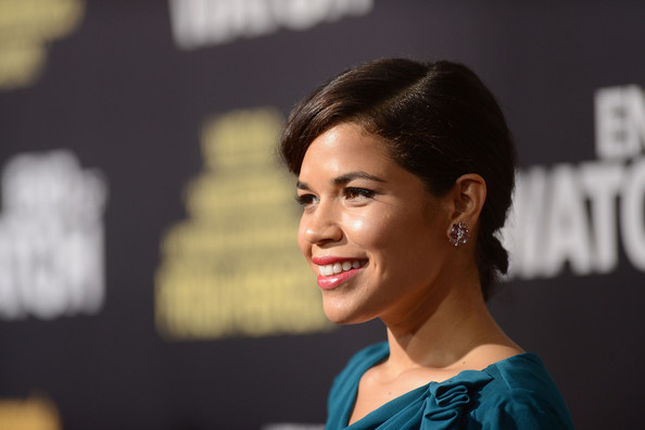 More Pics of America Ferrera Hard Case Clutch (5 of 30) - America Ferrera Lookbook - StyleBistro