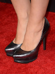 Jennie Garth stayed sleek in these shiny silver snakeskin-printed pumps.