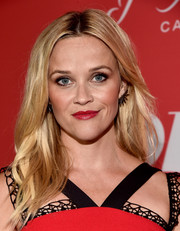 Reese Witherspoon looked stylish with her textured center-parted 'do at the premiere of 'Home Again.'