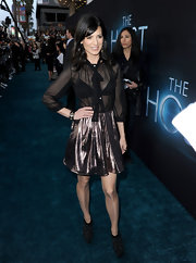 Perrey Reeves added some pizazz to her red carpet look with this metallic pink mini.