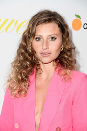 Alyson Michalka framed her face with voluminous curls for the premiere of 'Flower.'