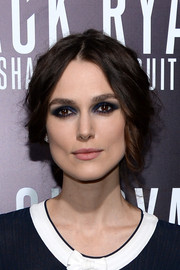 Keira Knightley went for smoky eyes with a blue undertone at the LA premiere of 'Jack Ryan: Shadow Recruit'.