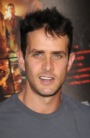 Joey McIntyre showed off his spiked haircut.