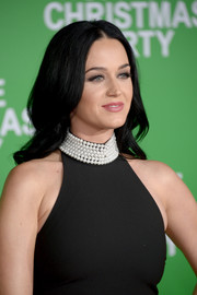 Katy Perry sported soft center-parted waves at the premiere of 'Office Christmas Party.'