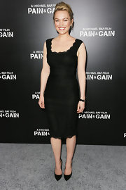 Sophia Myles chose a classic LBD with a lace-scalloped neck and hem.