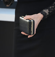 Sarah chose this simple and chic snap-closure clutch to go with her black dress at the 'Star Trek Into Darkness' premiere.